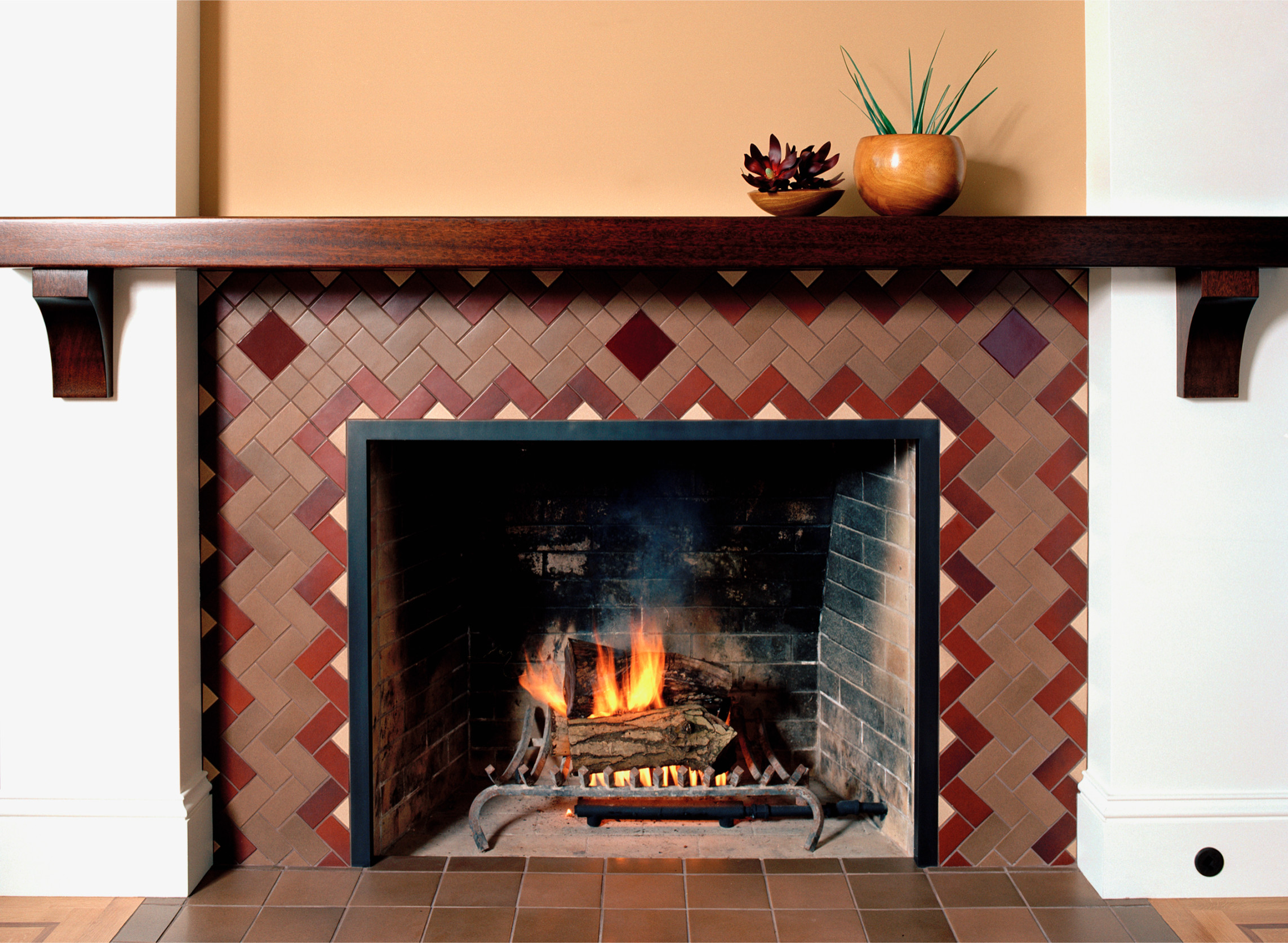 Tile design with beautiful mantel