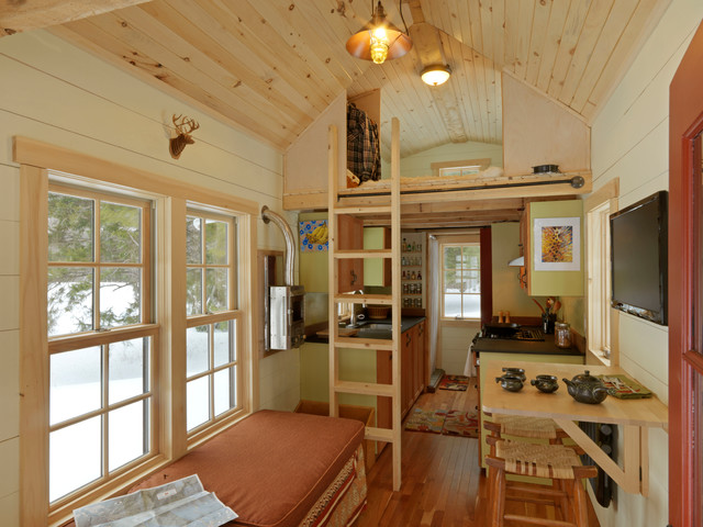 Tiny House Rustic Living Room Burlington by Cushman Design