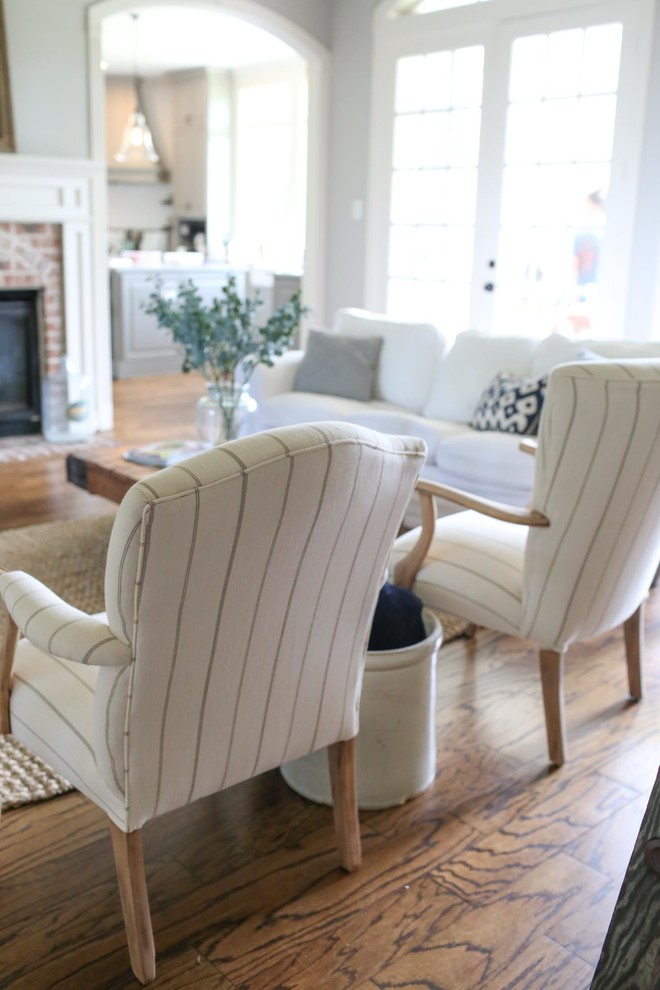 Inspiration for a cottage living room remodel in Houston