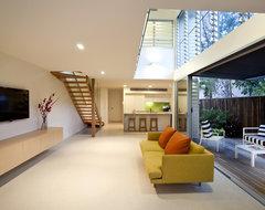 Townhouse Renovation - Sunshine Beach tropical-living-room
