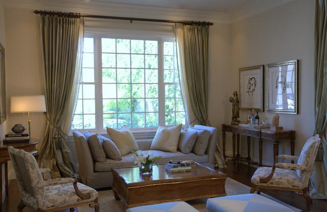 Traditional Georgian traditional-living-room