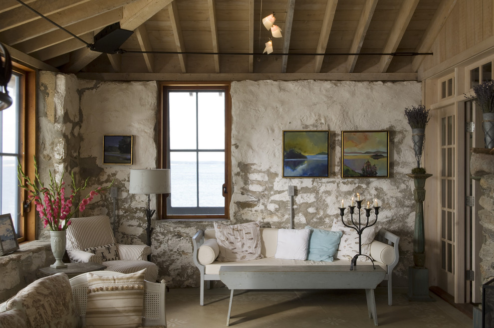 Inspiration for a small cottage living room remodel in Portland Maine