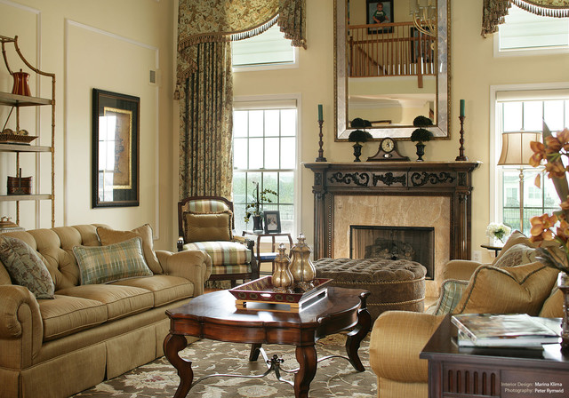 Formal Living Room-Comfortable Luxury traditional living room