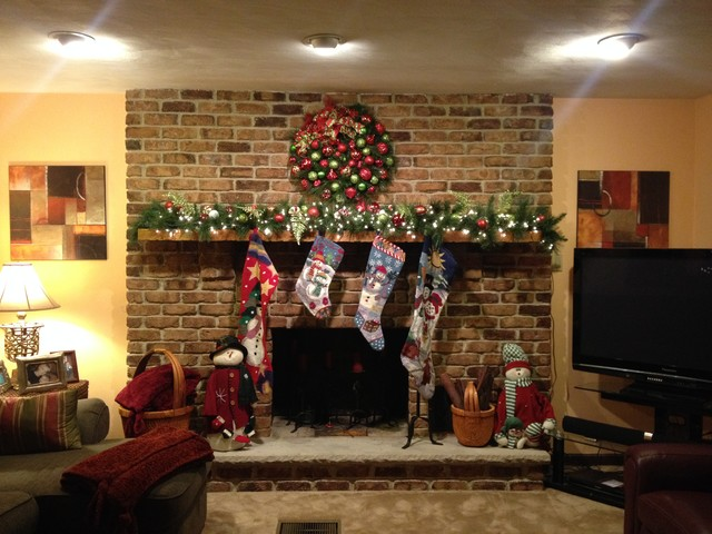 Traditional modern eclectic style holiday decor for Traditional eclectic living rooms