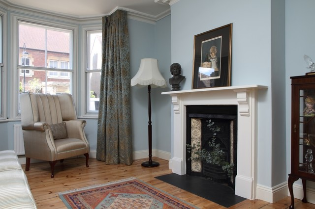 Traditional Terrace House Oxford Living Room