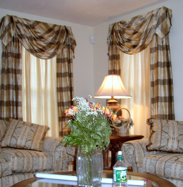 Traditional window treatment for Traditional window treatments living room