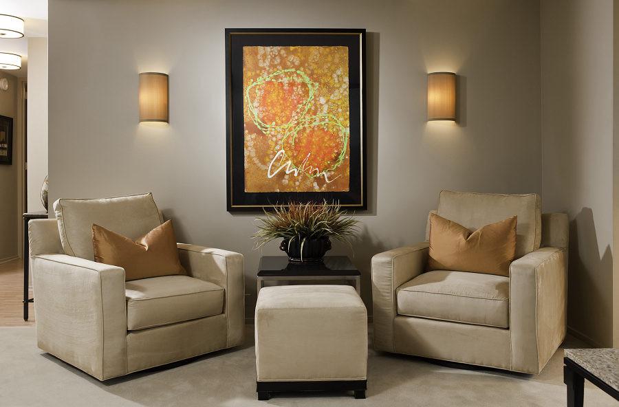 Minimalist living room photo in Chicago