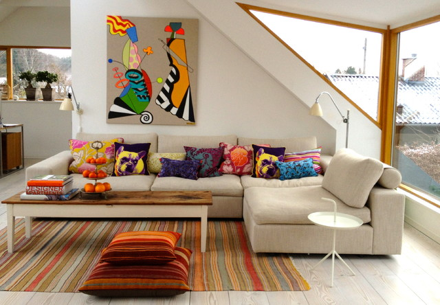 Cosy sofa contemporary-family-room