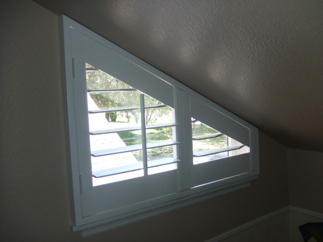 Triangle Window Covering Traditional Living Room By