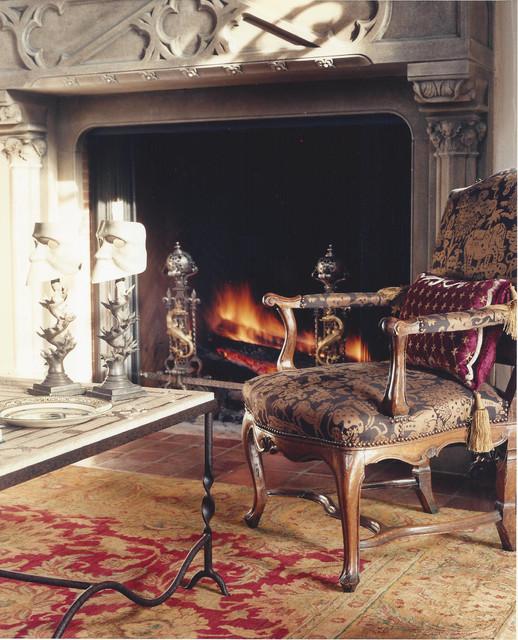 Tuxedo Park traditional-living-room