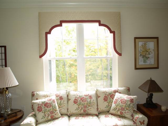 Upholstered Cornices Traditional Living Room