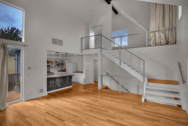 Modern duplex modern living room for Duplex house living room designs