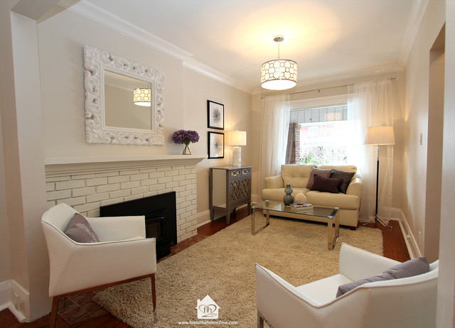 Vacant home staging transitional living room toronto for Staging small living room