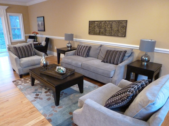 vacant house staging for investor traditional-living-room