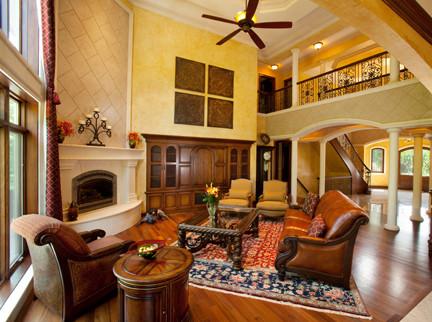 Venecia mediterranean-living-room
