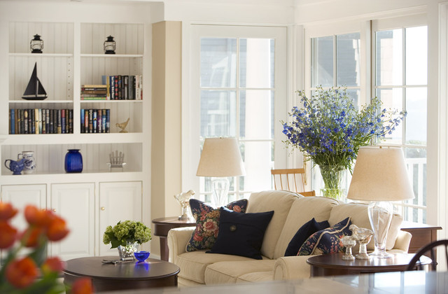 Vermont shingle style farmhouse living room for The family room vermont
