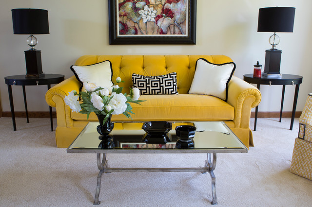 Vibrant Living Room - West Des Moines, IA traditional-living-room
