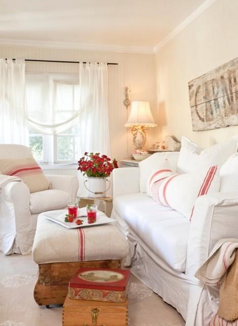 Vintage Inspired Inglewood Cottage Farmhouse Living Room