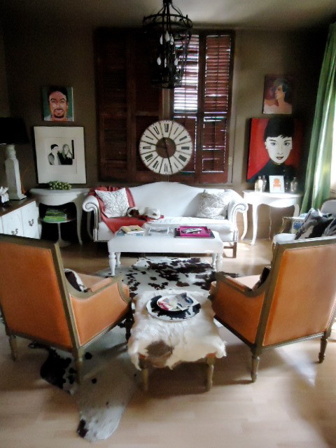 Visual vamp designs a french style salon   living room   new ...