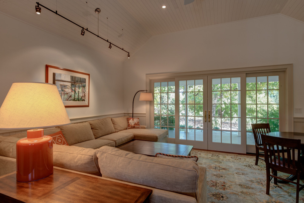 Walnut Hill Residence Guest Cottage