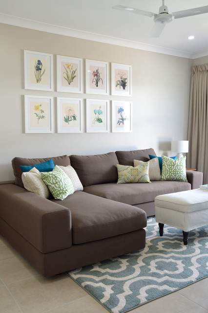 Warm inviting family home for Warm inviting colors for living room