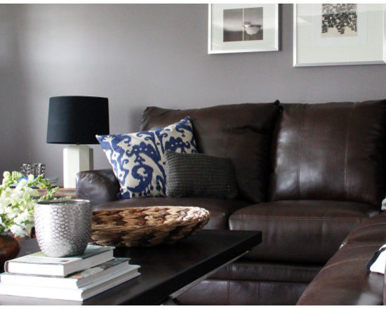 Brown sofa gray walls images for Gray walls with gray furniture