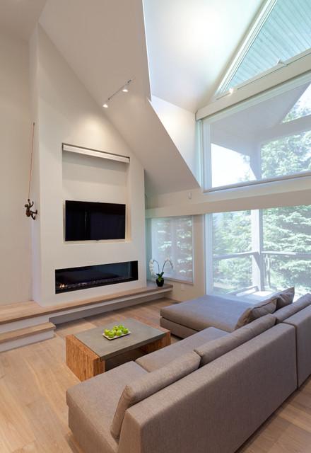 Whistler Mountain Retreat modern-living-room
