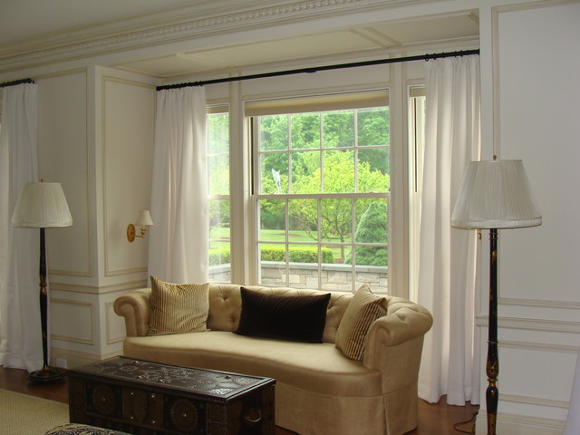 Window treatment traditional living room new york for Traditional window treatments living room