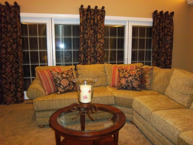 Window treatments traditional living room other for Traditional window treatments living room