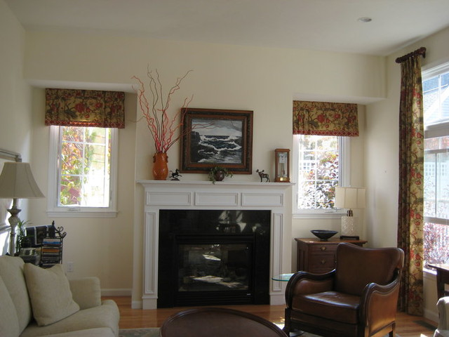 Window treatments open floor plan for Traditional window treatments living room