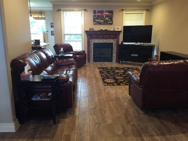 Wood grain tile throughout fayetteville house modern for Accents salon bentonville ar