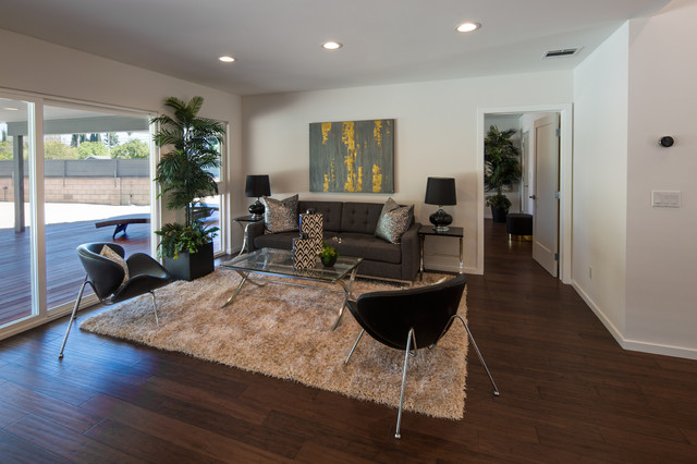 Inspiration for a contemporary living room remodel in Los Angeles