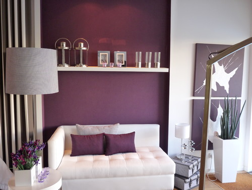 Contemporary Living Room with a Radiant Orchid accent wall and purple and whtie decor.
