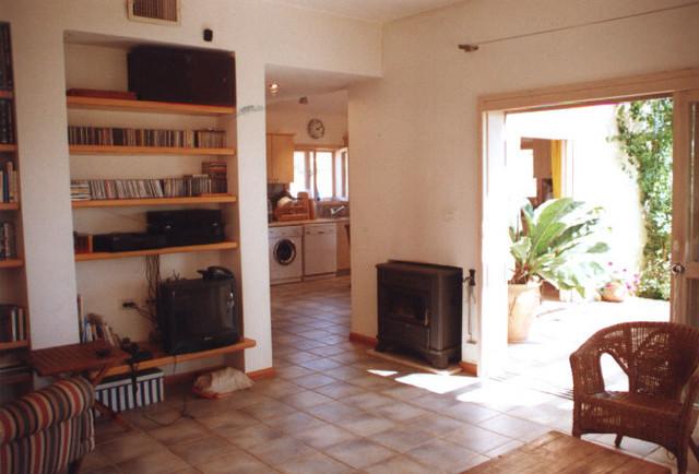 Yakoby house - 1 modern-living-room