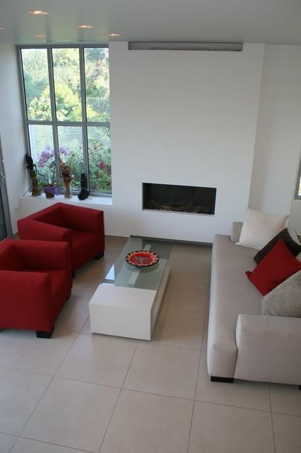 Zis Residence modern-living-room