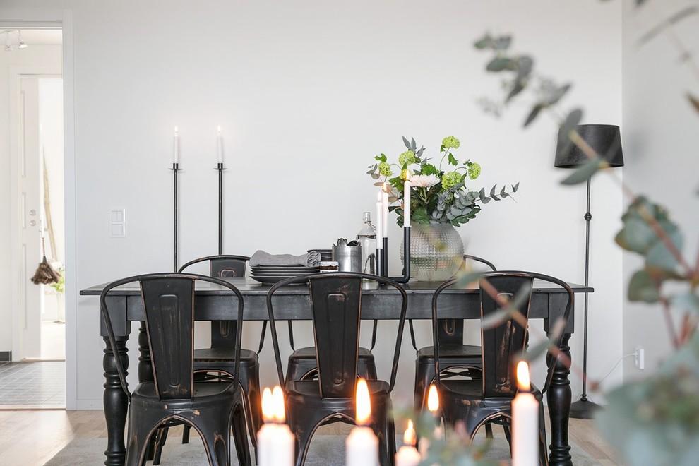 Ispirazione per una sala da pranzo industriale