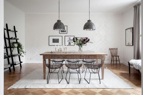 chaises métalliques