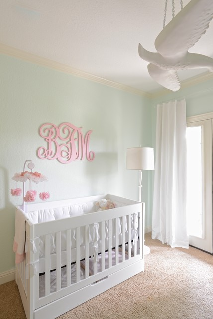 Girl 39 s nursery contemporary with mint green white and peach colors modern babyzimmer - Babyzimmer mint ...