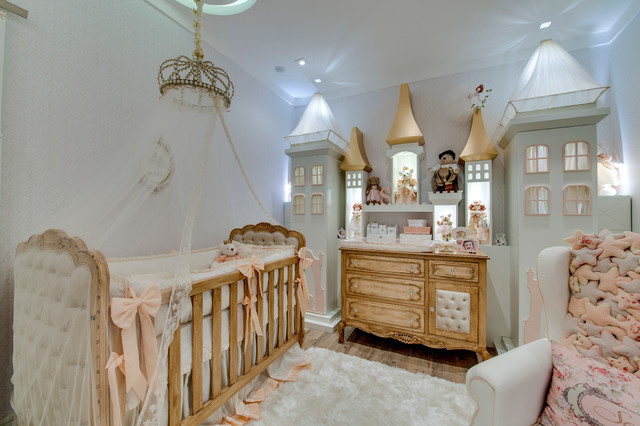 Quarto Princesa Sofia traditional-nursery