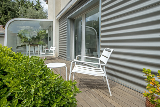 Garage House in Sicilia contemporary-patio