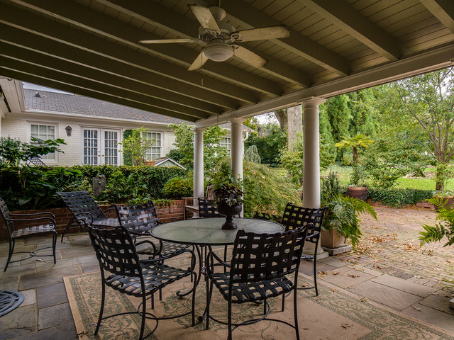 10 16 listing of the week classico patio charlotte for Dickens mitchener