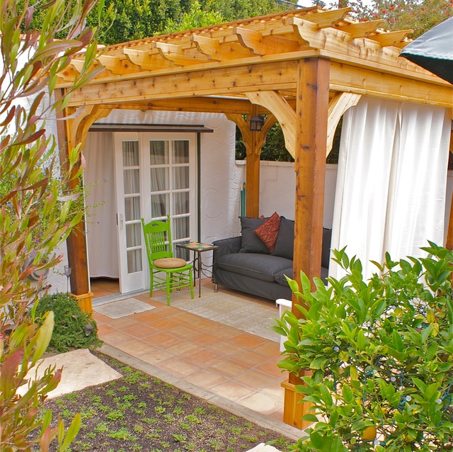 Cedar Pergola Living Space mediterranean patio