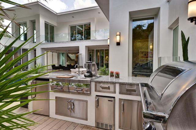 Immagine di un patio o portico minimal in cortile