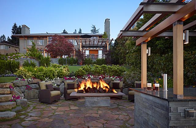 2012 Trends: Outdoor living spaces get the spotlight patio