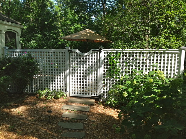 6ft Privacy Fence With Gate Traditional Patio