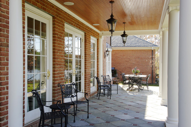9303 traditional-patio