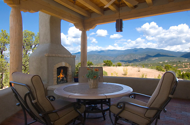 A new territorial style home in monte sereno in santa fe nm for Territorial home design