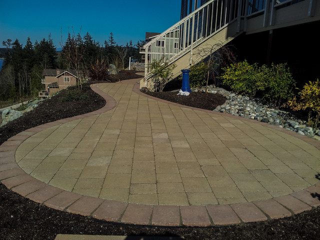 Landscape Blocks Abbotsford : Abbotsford pavers rustic patio seattle by choice landscapes
