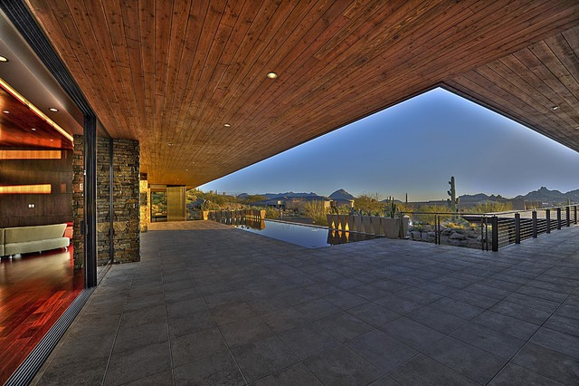 Above the Boulders contemporary-patio