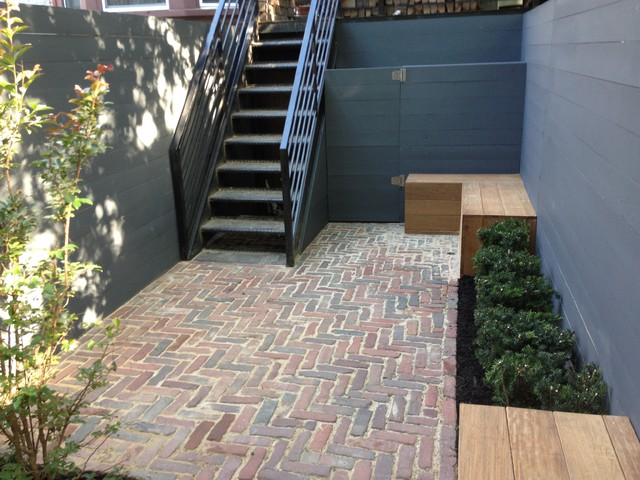 Almost finished small garden modern-patio